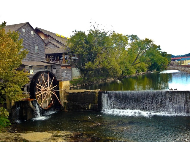 water wheel, gatlinburg